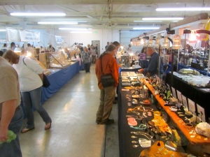 Tualatin Valley Rock and Gem Show vendors row.