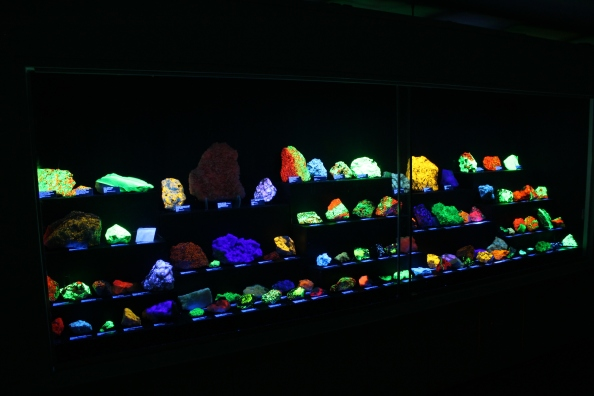 Fluorescent mineral exhibit at the Rice NW Museum